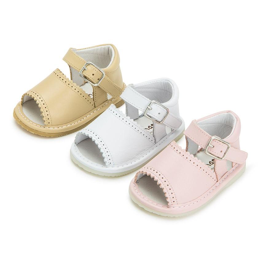 Sandales pointe ouverte cuir et fermeture à boucle pour filles