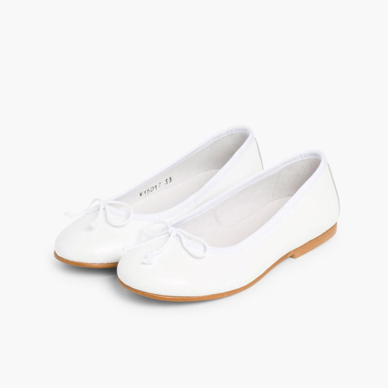 a62042c89dc79 ... Ballerines de C�r�monie en cuir pour Fille Blanc ...