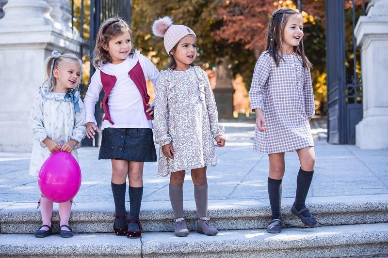Chaussures à la mode pour les filles