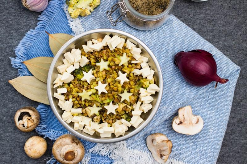 Sauté de champignons, épinards et tofu à la poêle Pisamonas